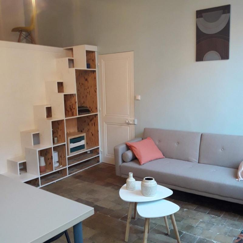 Rental apartment Lyon 1er 900€ CC - Picture 1