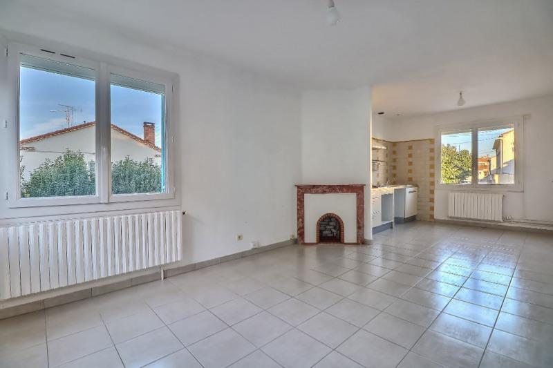 Location maison / villa Nimes 882€ CC - Photo 3