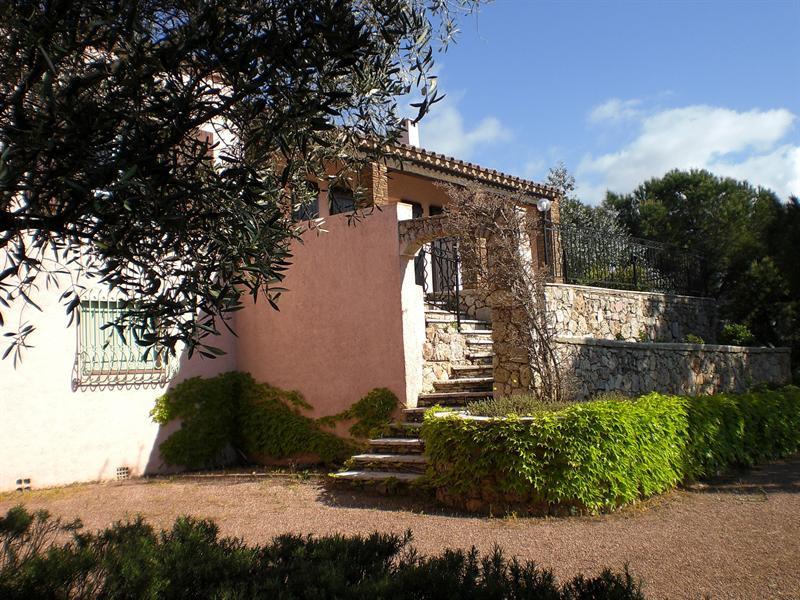 Location vacances maison / villa Les issambres 1710€ - Photo 1