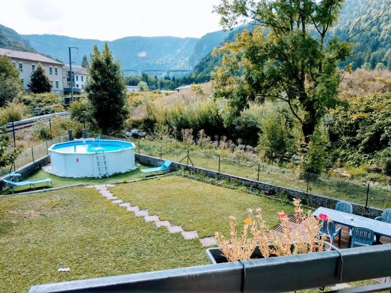 Sale house / villa Nantua 215 000€ - Picture 2