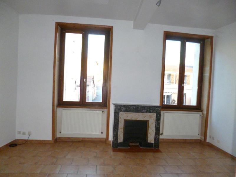 Location appartement Pontcharra sur turdine 440€ CC - Photo 2