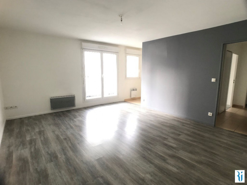 Location appartement Rouen 547€ CC - Photo 1