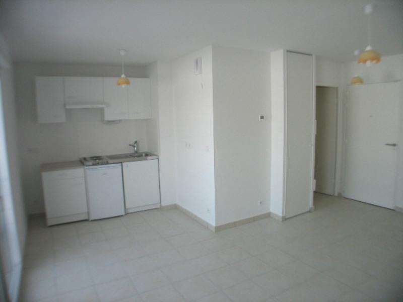 Location appartement Cranves-sales 557€ CC - Photo 3