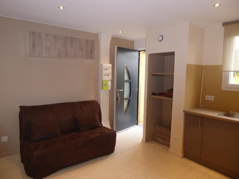 Sale apartment Bron 90000€ - Picture 2