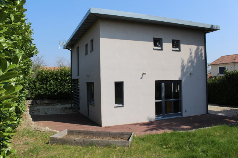 Sale house / villa Charly 345000€ - Picture 1
