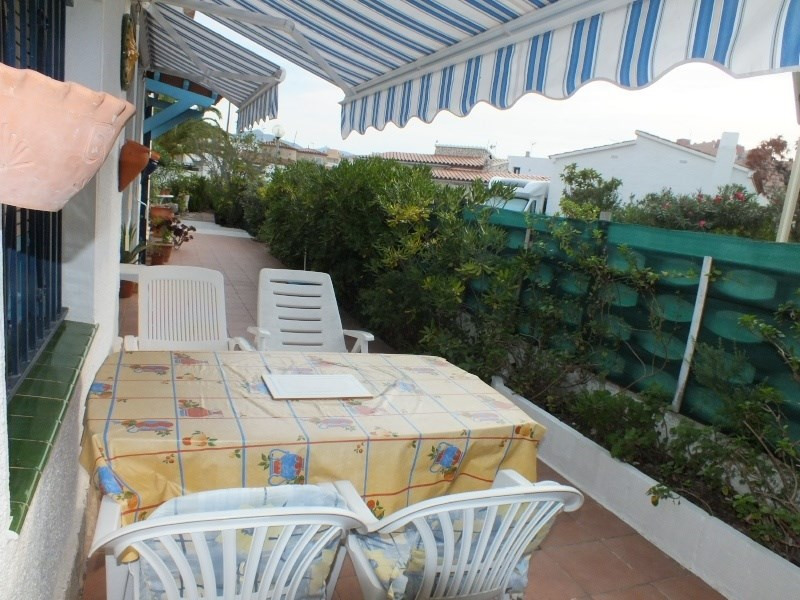 Vacation rental house / villa Roses 1056€ - Picture 6