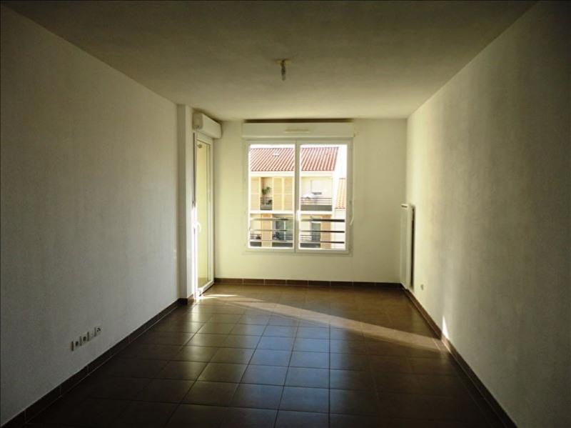 Verhuren  appartement Seyne sur mer 686€ CC - Foto 2