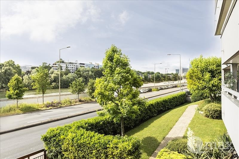 Sale apartment Courbevoie 625000€ - Picture 1