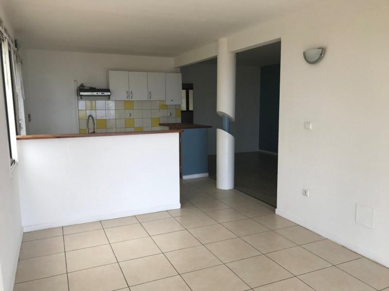Rental apartment St joseph 780€ CC - Picture 6
