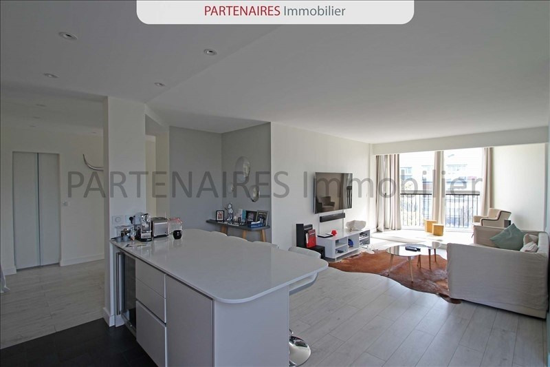 Rental apartment Le chesnay 1533€ CC - Picture 1
