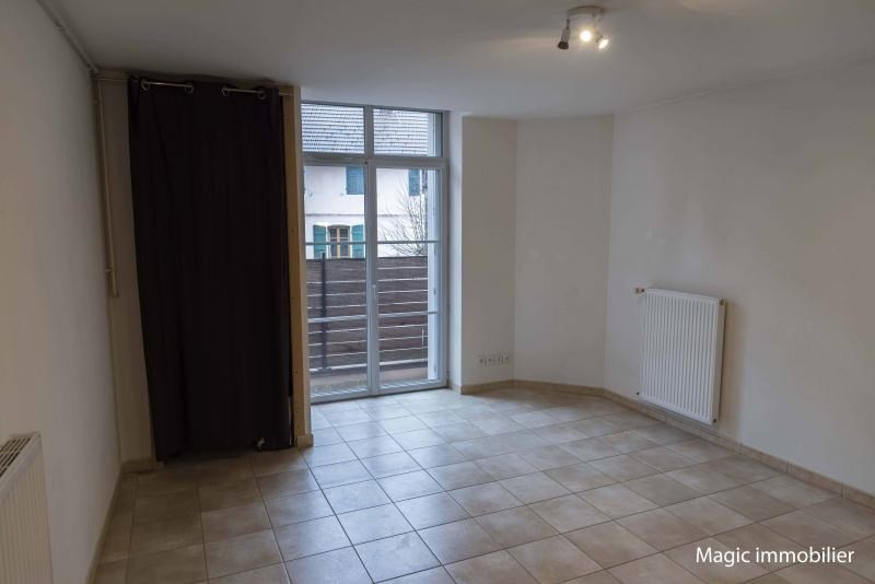 Rental apartment Nantua 328€ CC - Picture 1