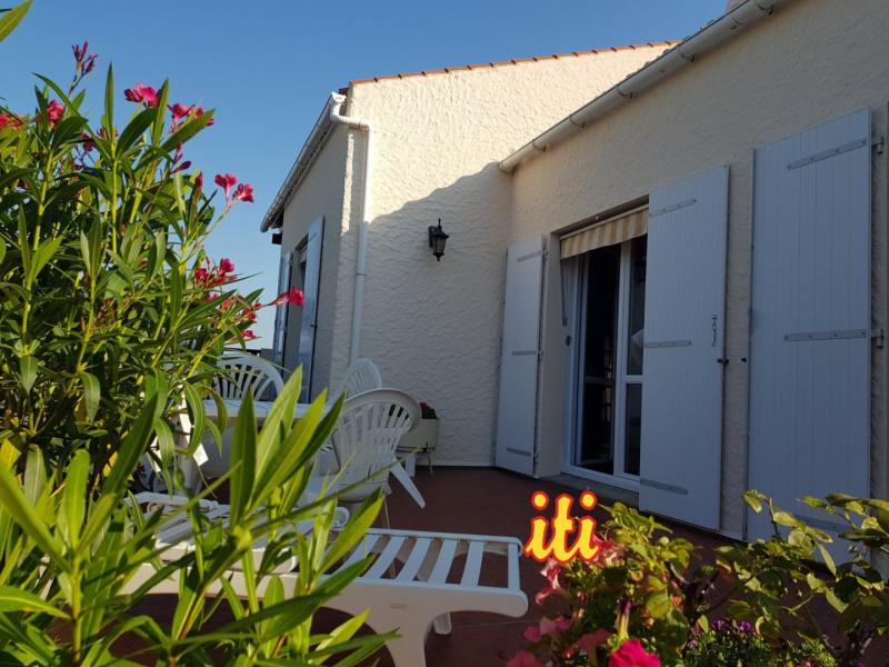 Deluxe sale house / villa Chateau d olonne 704000€ - Picture 2