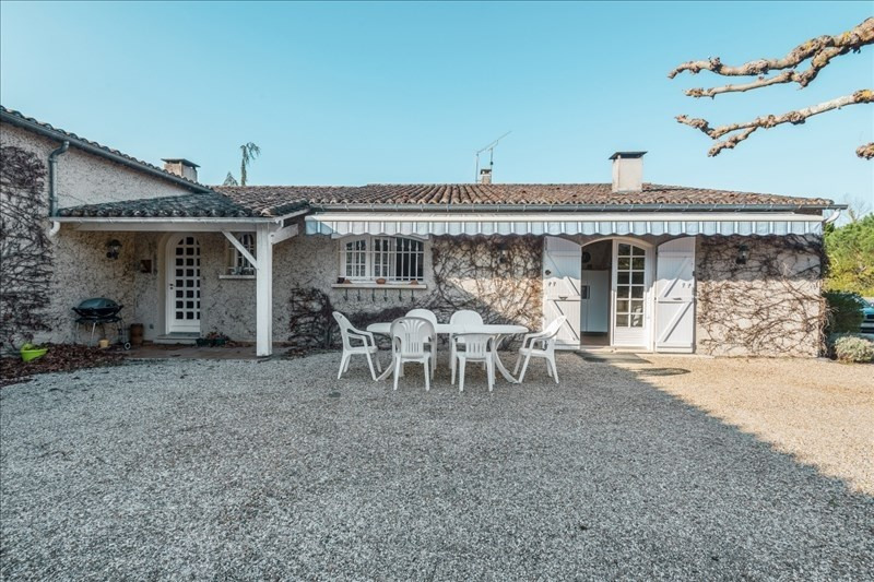 Deluxe sale house / villa Arsac 892500€ - Picture 1