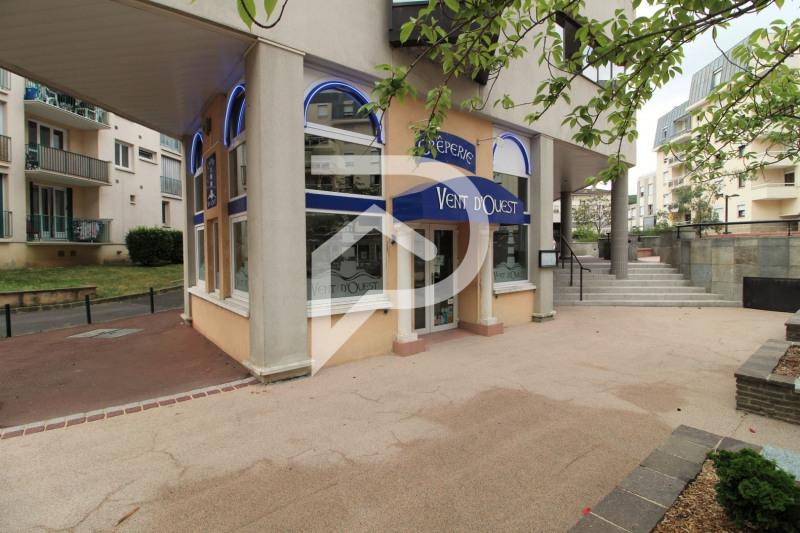Commercial property sale shop Franconville 69000€ - Picture 1