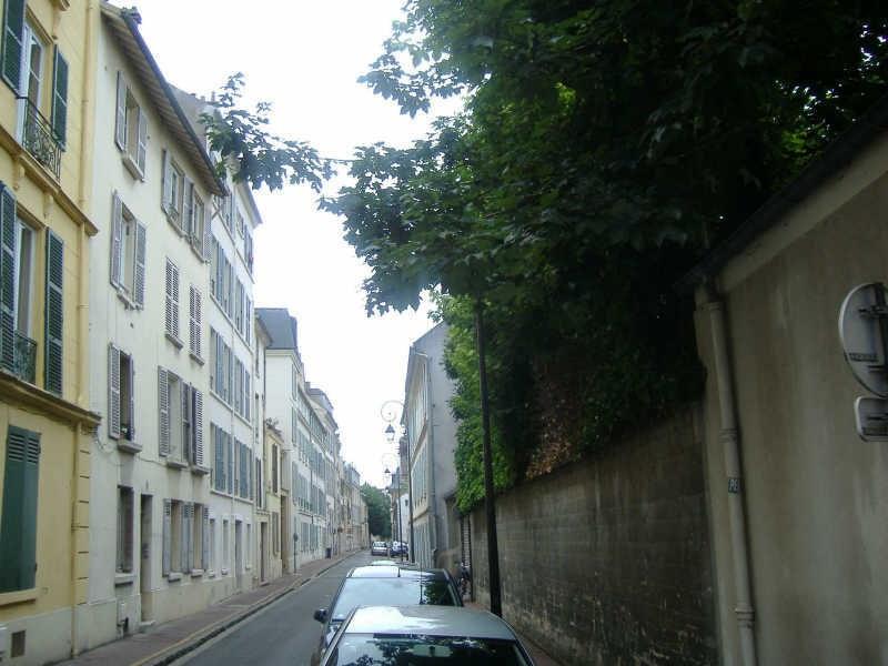 Location appartement Saint germain en laye 867€ CC - Photo 2
