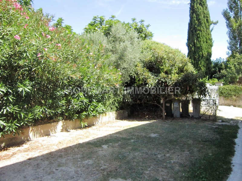 Rental apartment Lambesc 820€ CC - Picture 2