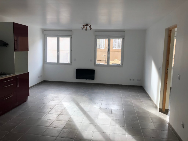 Location appartement Marseille 710€ CC - Photo 2