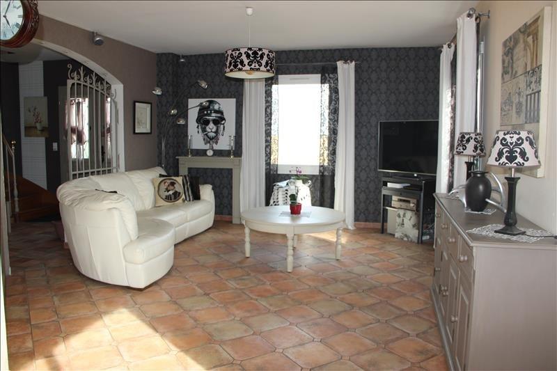 Sale house / villa Janville 275000€ - Picture 2