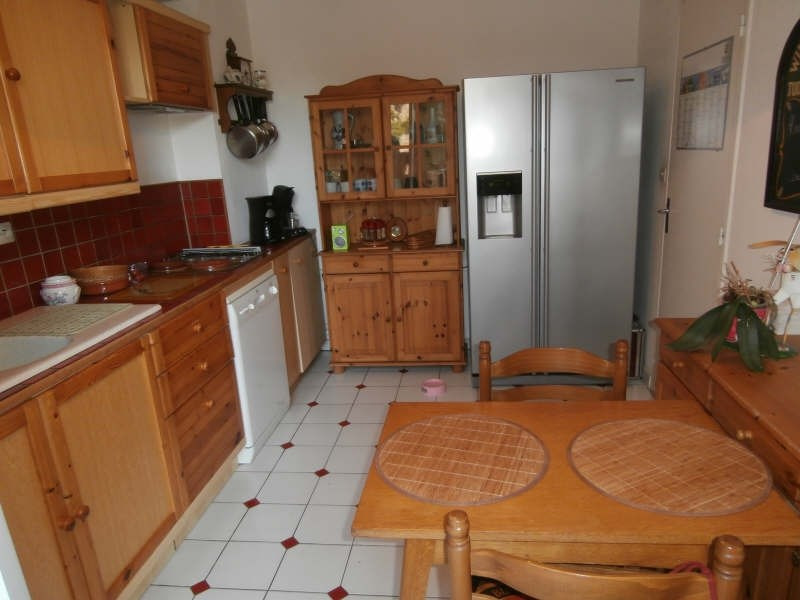 Location maison / villa Salon de provence 975€ CC - Photo 6