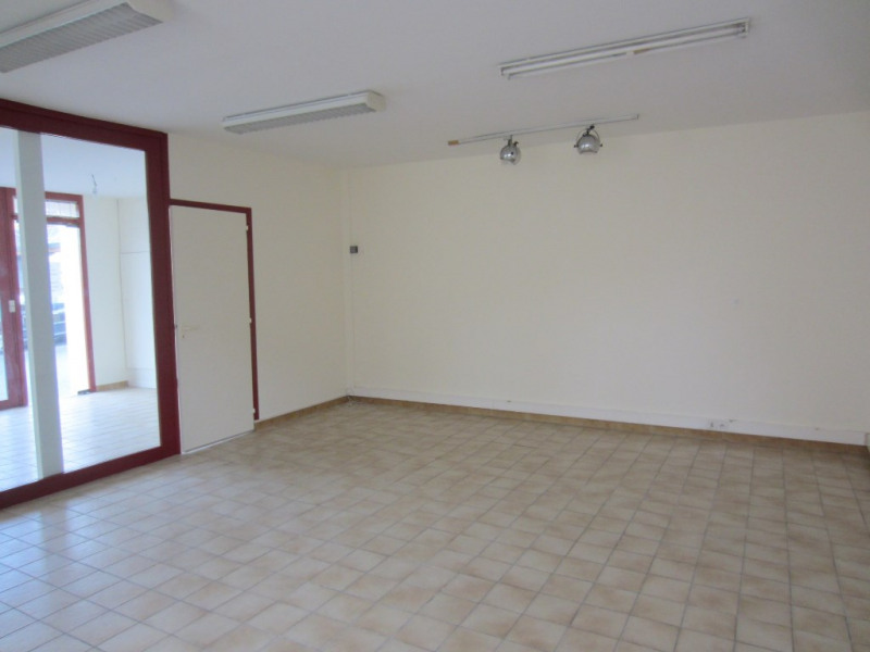 Location immeuble Plesse 399€ HC - Photo 1