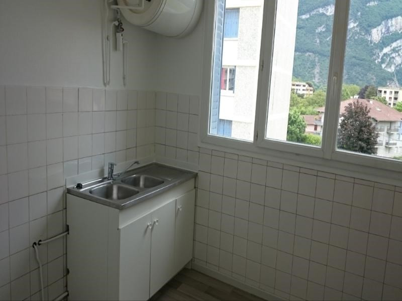 Location appartement Fontaine 693€ CC - Photo 3