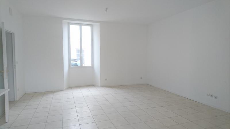 Location appartement Mortagne sur gironde 490€ CC - Photo 2