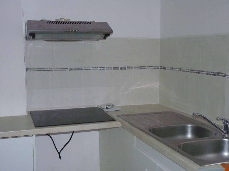 Rental apartment St sulpice 470€ CC - Picture 2