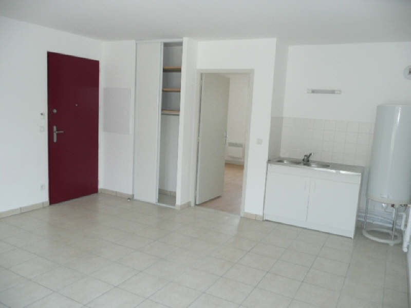 Rental apartment Aubigny sur nere 473€ CC - Picture 2
