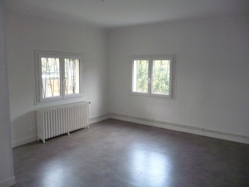 Rental apartment Laloubere 626€ CC - Picture 1
