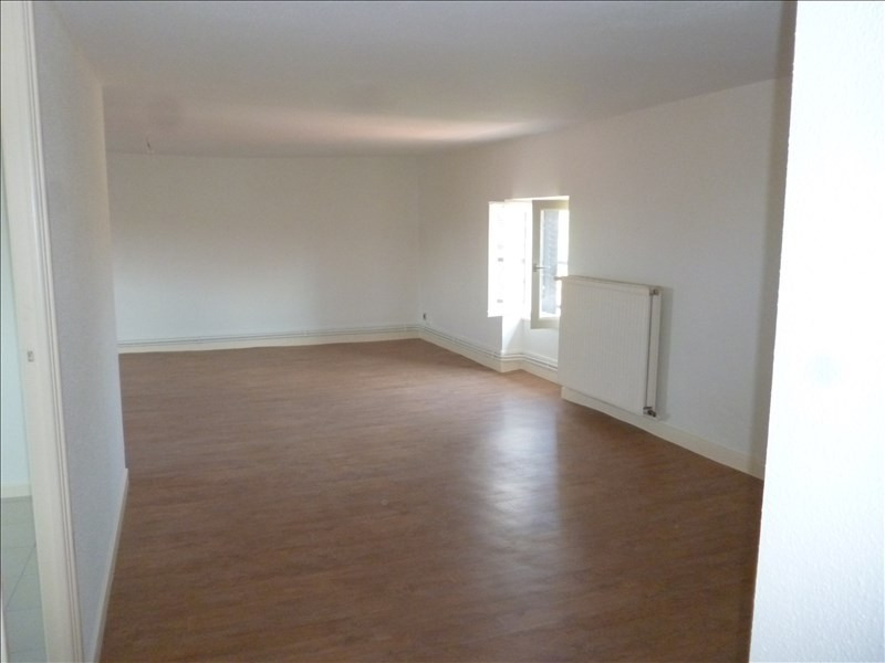 Rental apartment Le coteau 351€ CC - Picture 1