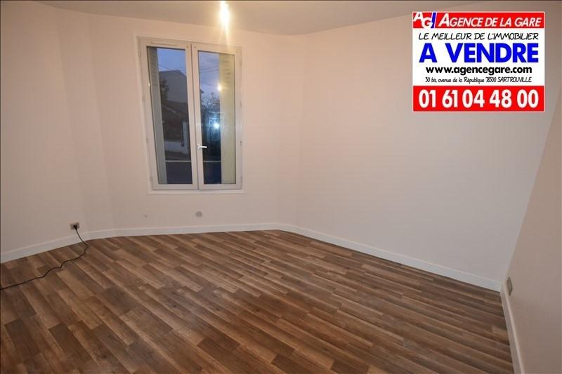 Revenda apartamento Houilles 159000€ - Fotografia 1