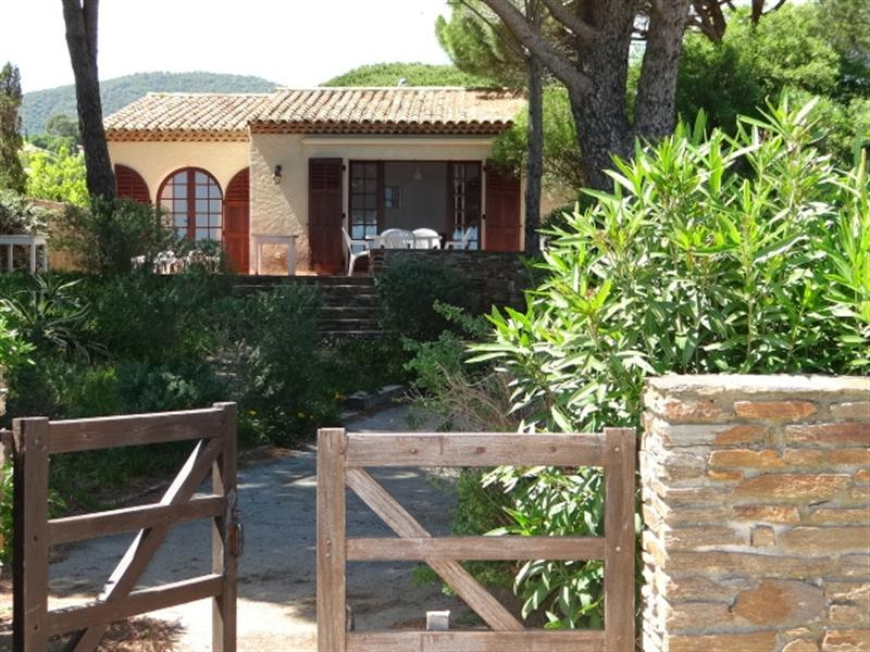 Vacation rental house / villa Cavalaire sur mer 900€ - Picture 4