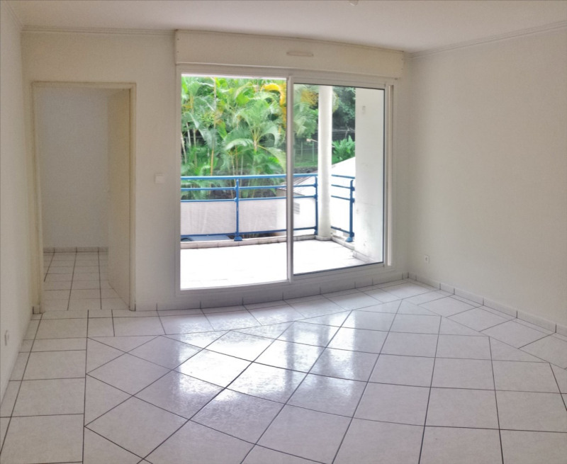 Location appartement Saint denis 430€ CC - Photo 1
