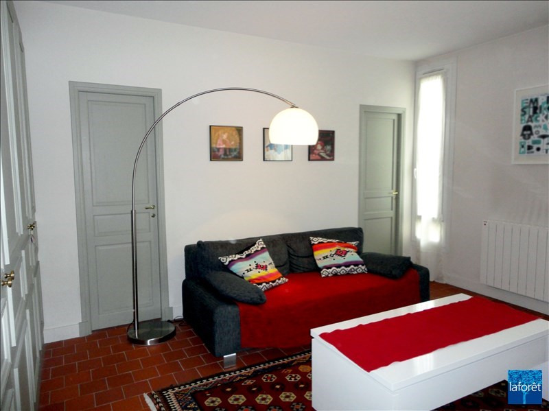 Location appartement Levallois perret 1 140€ CC - Photo 2