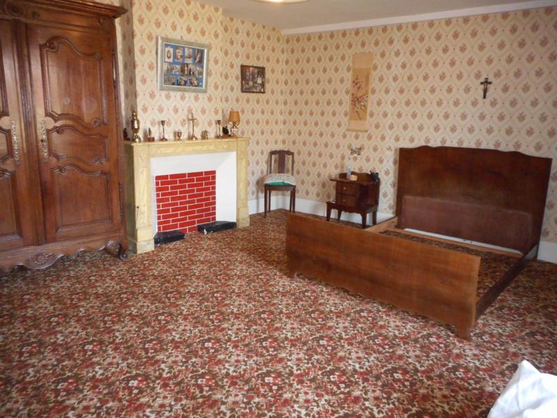 Sale house / villa Domblans 139000€ - Picture 4