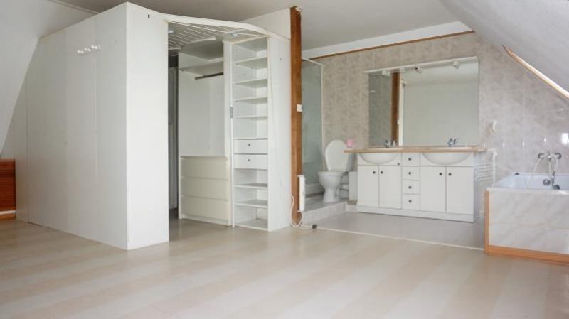 Sale house / villa Breval 250000€ - Picture 8