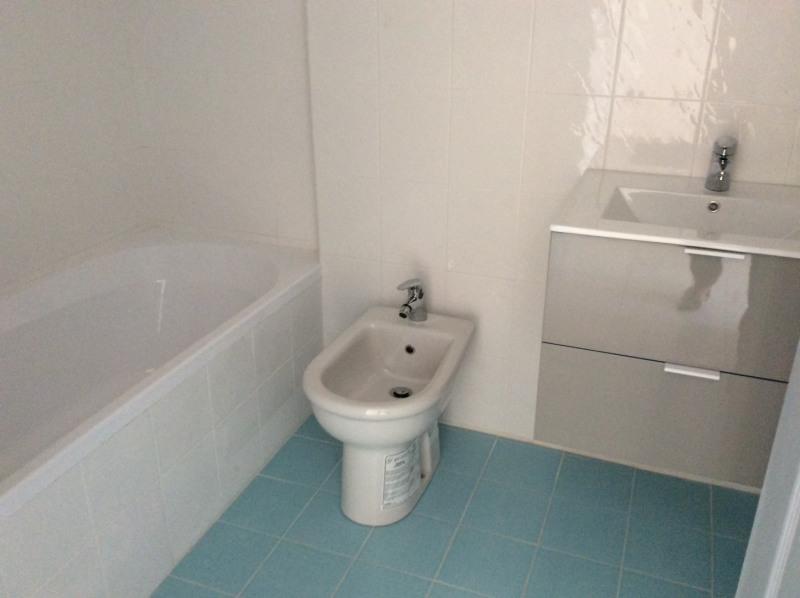 Rental apartment Fréjus 805€ CC - Picture 11
