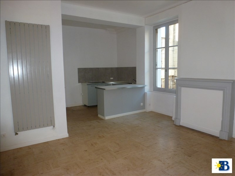 Location appartement Chatellerault 438€ CC - Photo 1