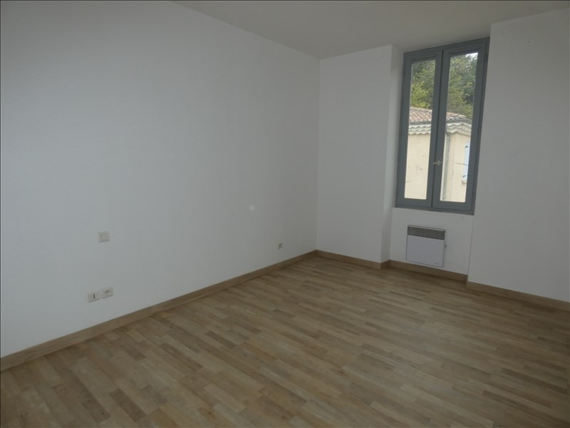 Location appartement Le teil 450€ CC - Photo 2