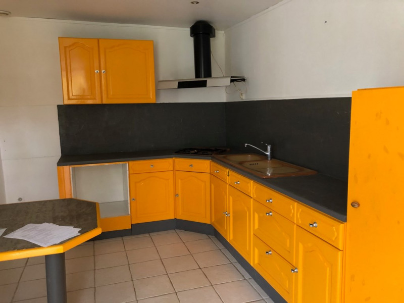 Rental house / villa La rochelle 596€ CC - Picture 2