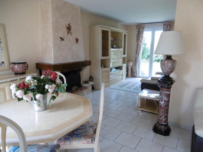 Sale house / villa Yvre l eveque 215250€ - Picture 2
