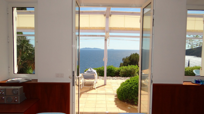 Vacation rental house / villa Cavalaire sur mer 3 800€ - Picture 18