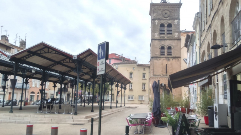 Location appartement Valence 384€ CC - Photo 1