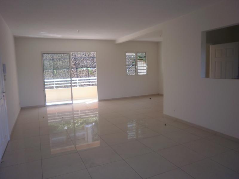 Alquiler  apartamento Schoelcher 1145€ CC - Fotografía 2