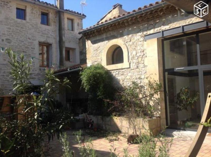 Deluxe sale house / villa Lunel 363000€ - Picture 1