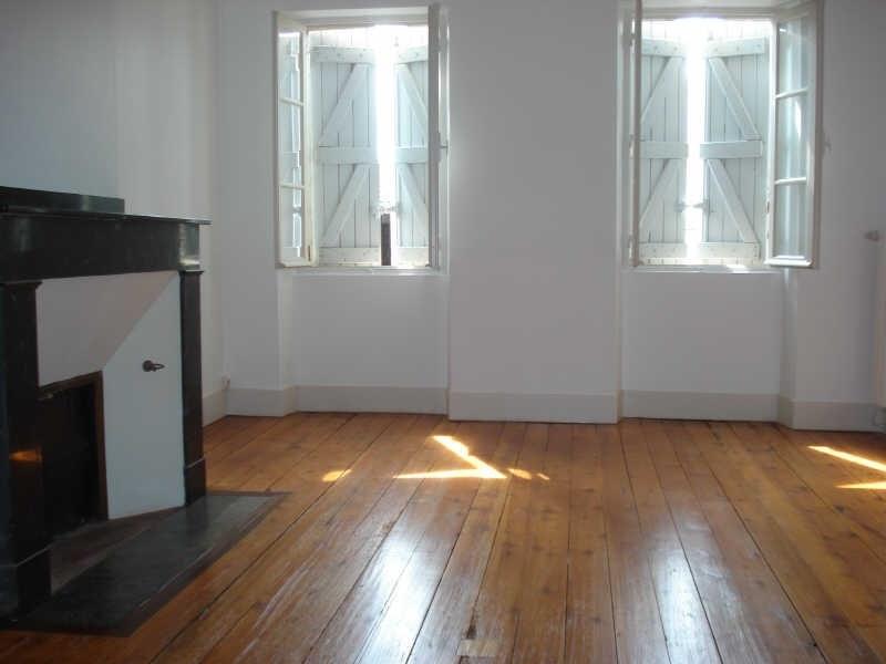 Rental house / villa Bourg st bernard 860€ CC - Picture 1
