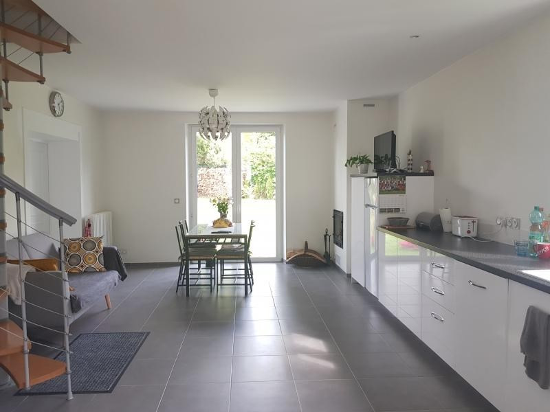 Sale house / villa Montfort l amaury 472000€ - Picture 4