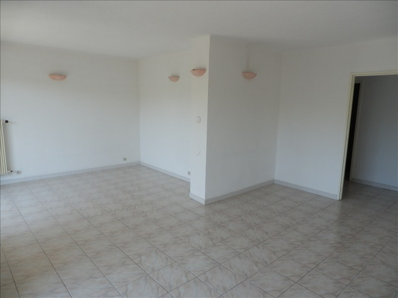 Rental apartment Toulon 767€ CC - Picture 3
