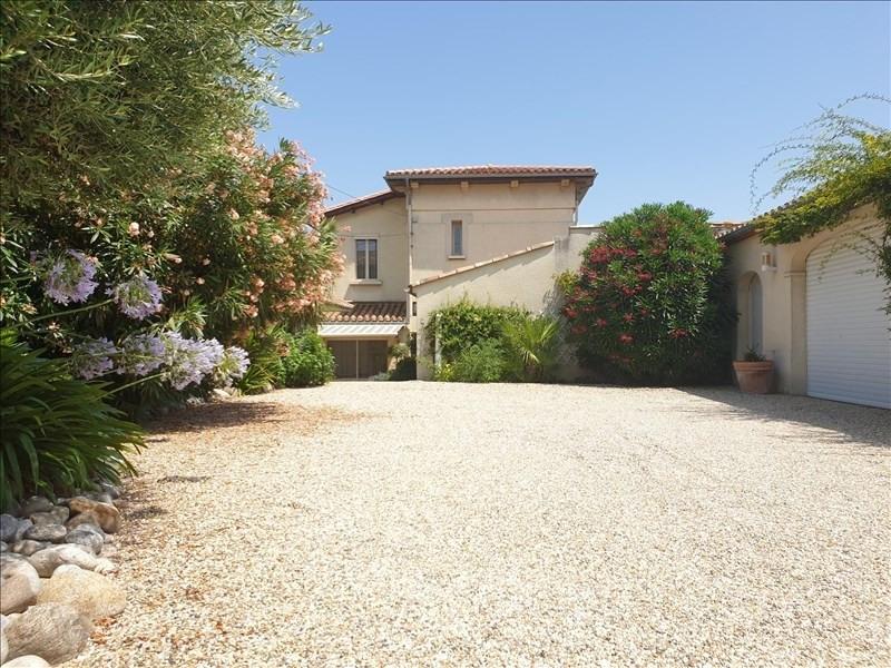Deluxe sale house / villa Villemoustaussou 430000€ - Picture 2