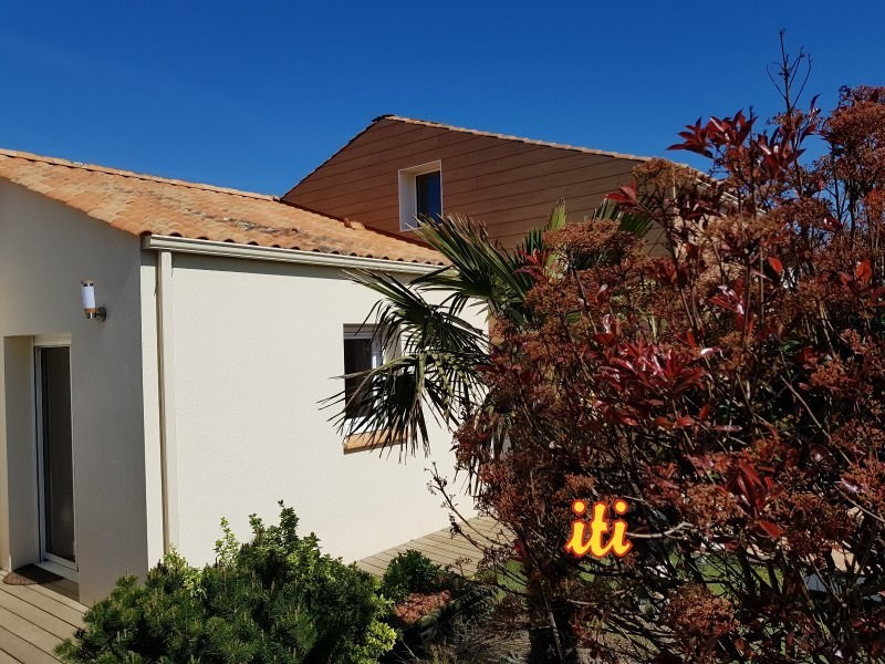 Sale house / villa Chateau d olonne 398 000€ - Picture 1
